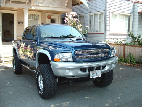 This Dodge is powered by the 4.7L Magnum V8. 2002 Dodge Dakota QuadCab 4x4