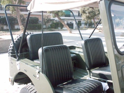 Willys Jeep 1951 - seating arrangements