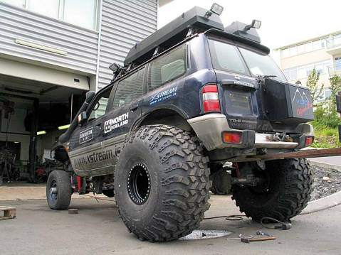 4X4 Hot Rod http://www.4x4offroads.com/49-inch-modified-patrol-chevy.html