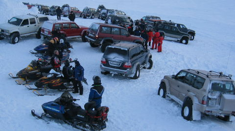 4x4 snow picture crowded on the top jpg