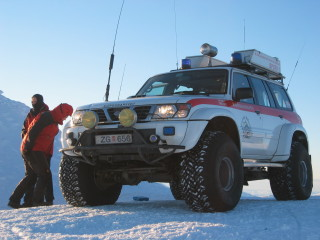 At the top of Skjalbreidur we met a couple of rescue-unit trucks on a