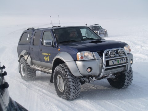 Magnus on his Nissan Navarra with the 38 inch Ground Hawks.