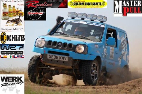 Ponce and Hendryk racing for TEAM WERK1 in the Blue Petrol Suzuki Jimny 4x4.