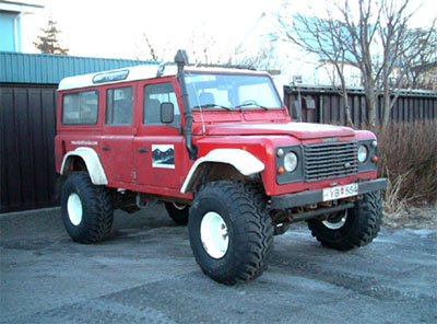 "Land Rover Defender lifted for 38"" tires!"